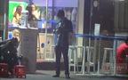 HOT: Phan Thành đứng chờ trước cửa nhà hơn 1 giờ, Midu vẫn chưa xuất hiện