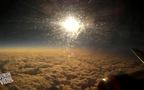 Khoảnh khắc ban đêm chỉ tồn tại vài giây trên chuyến bay liên lục địa