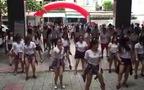 Nữ sinh trường ĐH Duy Tân, Đà Nẵng Flash Mob chào mừng ngày khai giảng