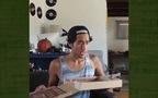 """""""Ảo tung chảo"""": Zach King biến Pizza thành khổng lồ trong nháy mắt"""