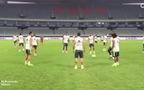 """Ronaldo chuyền bóng siêu """"dị"""""""