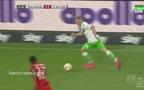 """""""Thánh"""" Nicklas Bendtner nổ súng phút 89, Bayern mất chiếc Cúp đầu tiên"""