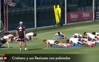 Ronaldo gây sốt với màn chống đẩy đặc biệt