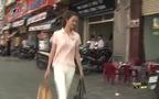 Vietnam's Next Top Model: Hương Ly đi thăm các em ở mái ấm Bừng Sáng