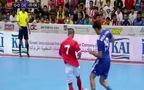 """Diego Costa khoe kỹ năng siêu """"đỉnh"""", ghi 5 bàn trên sân futsal"""