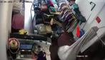 Nhân viên bán hàng bị cướp đánh bất tỉnh, lấy máy tính