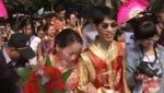 100 cặp đôi làm lễ cưới tập thể tại Trung Quốc
