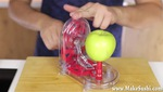 Chiếc máy gọt táo vô cùng tiện lợi từ Nhật Bản