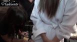Hậu trường làm tóc và trang điểm của người mẫu hãng Tommy Hilfiger