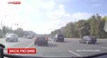 Đoàn xe Mercedes-Benz gặp tai nạn liên hoàn