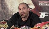 """Tyson Fury cởi áo khoe """"bụng bầu"""" để đá đểu Wladimir Klitschko"""