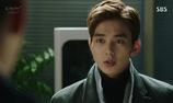 """""""Remember"""": Thẩm phán Suk Kyu trao bằng chứng vạch tội Nam Gyu Man cho Jin Woo và In Ah"""