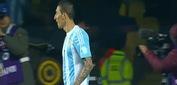 Messi xỏ háng làm 2 cầu thủ Paraguay ngã dúi dụi trên sân