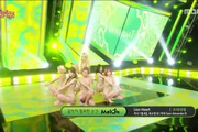 "Music Core: ""Lion Heart"" - SNSD"