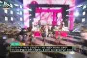 "Music Bank: ""Hot Pink"" - EXID"