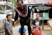 Cụ ông được mệnh danh là Người dẻo của Indonesia