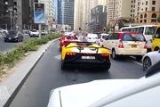 Siêu xe Lamborghini nẹt pô đến mức... cháy cả xe