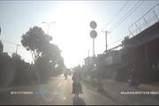 Chạy xe máy sai làn quay đầu trốn cảnh sát gây tai nạn