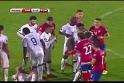 Pha đánh cùi chỏ phi thể thao của Matic trong trận Serbia - Bồ Đào Nha