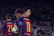 Messi nhường Neymar sút phạt đền