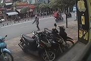 Thanh niên phá khóa trộm xe trong... 3 giây