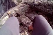 """Đi bộ """"cùng tử thần"""" trên bờ vực cao 2178 mét"""