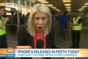 Vừa mua được iPhone 6 đã... làm rớt xuống mặt đường