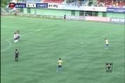 Cầu thủ mất mạng vì bắt chước Santo ăn mừng bàn thắng
