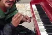 """Bản Piano gây """"bão"""" của người đàn ông vô gia cư"""
