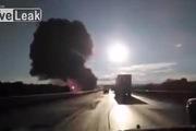 Cao tốc như trong sóng biển lửa địa ngục vì xe chở dầu gặp nạn