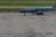 Máy bay Vietnam Airline đi theo đường sơn theo cách rất phi thường