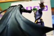 Màn chiến đấu nảy lửa giữa Batman, Captain America với Joker