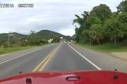 Xe tải sang đường ngang ngược