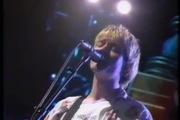 VMAs 1992: Krist Novoselic (Nirvana) bị đàn rơi trúng đầu