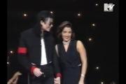 VMAs 1994: Nụ hôn của Michael Jackson và Lisa Marie