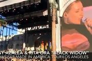 Iggy Azalea và Rita Ora tình tứ trên sân khấu