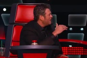 """The Voice US: Blake """"chửi yêu"""" Adam làm thủ lĩnh Maroon 5 đứng hình"""