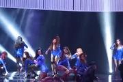 Màn biểu diễn của Hoàng Thùy Linh tại Đêm Hội Chân Dài 9