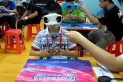 Que Jianyu - cậu bé bịt mắt chơi Rubik