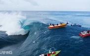 Khoảnh khắc lướt sóng cực kỳ ấn tượng qua góc quay Flycam