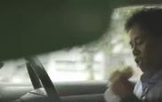 """Phim ngắn """"Tình mẹ có thể làm tất cả cho con"""" làm lay động lòng người"""