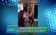 Maradona nhảy tình tứ với bồ trẻ