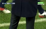 HLV Zidane lần thứ hai rách quần ở Champions League