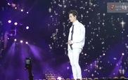 """Music Bank in Hanoi: Key (SHINee), Chunji (TEEN TOP), JB (GOT7) biểu diễn """"Yêu Lại Từ Đầu"""" (Khắc Việt)"""
