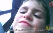 Cậu bé đáng yêu phát biểu cảm nghĩ khi được bạn gái tặng nụ hôn đầu đời