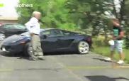 Lãnh hậu quả nhớ đời vì đi bậy vào Lamborghini