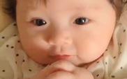 Cận cảnh vẻ đáng yêu của bé Cadie con gái Elly Trần
