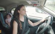 Bài học cảnh giác: Đừng bao giờ bỏ quên bé trong xe ngày nắng