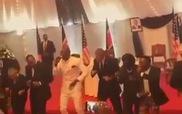 Tổng thống Obama nhảy điệu truyền thống của Kenya