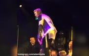Justin Bieber nhảy nhót vui vẻ trong tiệc sinh nhật 21 tuổi